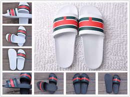 Wholesale lace sandals flat - 2018 The latest trend Black Rubber Slide Sandal Slippers Green Red White Stripe Fashion Design Men Women Classic Ladies Summer Flip Flops