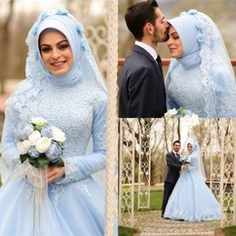2ee50ca01e0 Beauté Robe De Bal Aque Bleu Robes De Mariage Col Haut À Manches Longues  Pays Musulman Arabe Dubaï Robes De Mariée Gothique Applique Dentelle Sans  Hijab ...