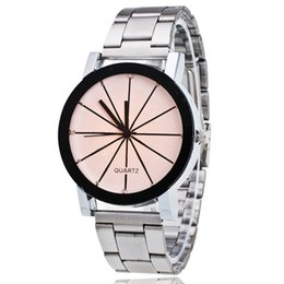 9aba9f41d8ad China 2018 Stylish Couples Quartz Watches Boys Girls Students Alloy Wristwatch  Lover Gift Simple Round Dial