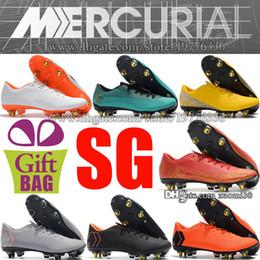 Nuevos SG CR7 Superfly Tacos de fútbol de oro rojo Mercurial Vapor XII Pro  SG Zapatos de fútbol Ronaldo Botas de fútbol Neymar Tacos de fútbol Blanco  Negro 636bd479bc88a