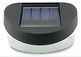 Les lumières menées solaires de mur de 2led ont mené les lumières menées solaires extérieures imperméables de gouttière de gouttière de panneau de maison de jardin de barrière ? partir de fabricateur