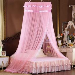 Deckennetz online-Prinzessin Moskitonetz Luxus romantisch aufgehängt Kuppel Decke Palast Spitze Mesh Netting Falten Sommer Netze Studenten Insekt Bett Baldachin