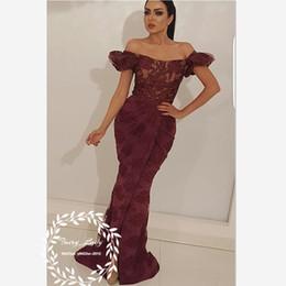 Argentina 2018 borgoña encaje mangas abullonadas sirena vestidos de noche para las mujeres Dubai árabe fuera del hombro alfombra roja largo desfile vestido de fiesta vestido Suministro