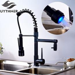 Robinets frottés à l'huile en Ligne-Uythner moderne en laiton massif bronze huilé robinet de cuisine mitigeur avec LED simple poignée tranchante trou unique