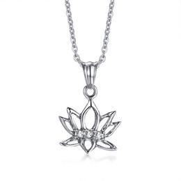 859093f1de Collana di donne di loto in acciaio inox colore argento strass ciondolo  buddismo fiore femminile religioso gioielli regalo choker