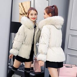 Chaqueta de invierno nueva de las mujeres de piel sintética con capucha abrigos abrigo de pan corto femenino gruesa cálida nieve desgaste chaqueta desde fabricantes