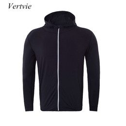 2019 tuta sportiva vertvie Mens Jacket 2017 Nuovo arrivo Zipper Hooded Capispalla Outdoor Sportswear Hooded Coat Slim Running Jacket Men Tuta tuta sportiva economici