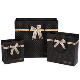 Wholesale boutiques paper bags - 10pcs Black Dot Gift Bag Large Paper Shopping Bags with Handle Black Boutique Clothing Packaging Gift Bag