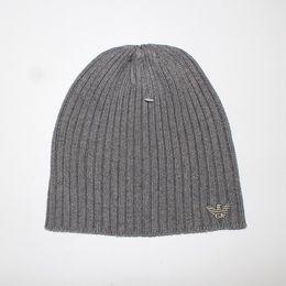chapeaux en tricot pour enfants en gros Promotion 2018 New Good Quality Luxury Marques V Automne Hiver Unisexe chapeau de laine mode casual lettre chapeaux Pour Hommes femmes designer casquette