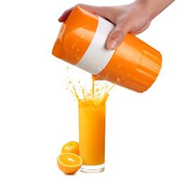 Spremiagrumi online-Spremiagrumi manuale Spremiagrumi Citrus Orange Manual Lid Rotation Press Reamer for per Lemon Lime Grapefruit con filtro e contenitore