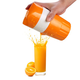 Exprimidor online-Exprimidor manual Citrus Orange Squeezer Manual Lid Rotation Press Escariador para Lemon Lime Grapefruit with Colador y contenedor