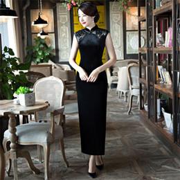 Robes d'occasion chinoises en Ligne-Mode simple de haute qualité, plus la taille sans manches de velours broderie dentelle noire longue cheongsam robe de soirée robe quotidienne qipao chinois