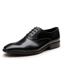 Vestidos de novia negro vino online-Moda de alta calidad Wine Red / Black Formal Oxfords Business genuino de cuero con cordones vestido de zapatos de boda para hombres transpirables