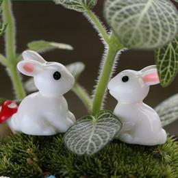 Resine pasquali online-Moss Micro Landscape Ornament Lovely Aminal Rabbit Resin Arti e Mestieri Fata Pasqua Decorazioni da giardino Vendita calda 0 22dd CB