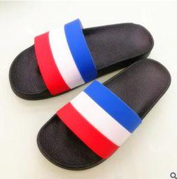 Wholesale Hot W Heels - HOT NEW 2018 NEW Europe Brand Fashion mensstriped sandals causal Non-slip summer huaraches slippers flip flops slipper BEST QUALITY