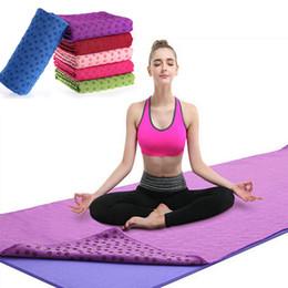 Sacchetto di coperta del yoga online-180 * 62 cm Non slip Yoga Mat Coperchio Asciugamano Coperta Sport Fitness Esercizio Pilates allenamento CALDO Con Mesh Bag Regalo