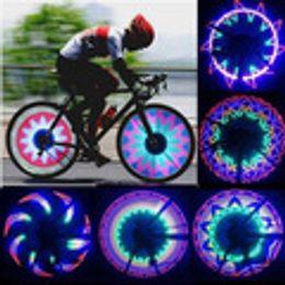 2019 32 luci di segnalazione a led Raffreddare 2 lato 32 LED 32 modalità notte impermeabile ruota segnale lampada riflettente Rim arcobaleno pneumatico bici bicicletta a raggio fisso avvito luce 32 luci di segnalazione a led economici