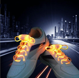100 unids / Creative fashion LED Shining Lace Fashion Fashion Belt Night Running Patinaje sobre hielo Shining Shoes Flashing Light Boosting Artifact desde fabricantes