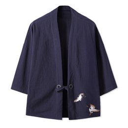 Janpanese Streetwear Kimono Cardigan Hombres Trench Coat Otoño Chaquetas largas Abrigo de algodón Lino Mens Trenchcoat Chaqueta Brand desde fabricantes
