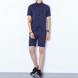 Homens verão Namorado Macacões estilo Coreano trajes cantor preto e azul Carga Calças Moda stripe Bib Macacão 0528 de