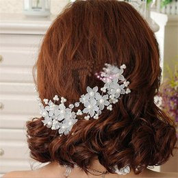 Wholesale American Ornament - Europe and America sell hot bride hand handmade pearl hair ribbon wedding dress accessories hair with bridal ornaments