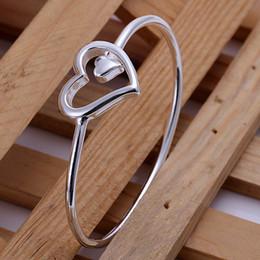 braccialetto dei braccialetti dei braccialetti Sconti Nuovo braccialetto dell'argento sterlina 925 per gli uomini delle donne, braccialetto d'argento del polsino del cuore dei monili d'argento 925 di modo Italia 2018 nuovo regalo di natale di arrivo AB18