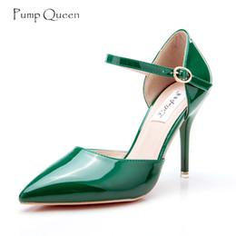 eleganti scarpe nude nude tacco alto Sconti PumpQueen Shoes Women Pumps 2018 Tacchi alti Primavera Estate Donna Scarpe da donna Elegante matrimonio Verde Rosso Tacchi nudi Zapatos Mujer