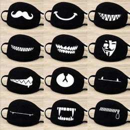 Schwarze baumwollmaske online-Mode Cartoon-Muster Solid Black Cotton Gesichtsmaske Nette 3D Half Face Mouth Muffel Masken Partei-Schablonen Outdoor Radfahren Maske Drucken
