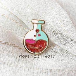 2019 metal químico 10 unids Fantástico Esmalte Duro Glitter Metal Badge Science Solapel Pin Estudio de Conocimiento Químico Lab Flask Custom Pins y Broche metal químico baratos