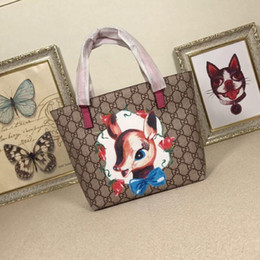 175dad71f594 2018 New Fashion Bags women s Shoulder bag Leather handbags Classic design  Brand Messenger bag girl cute minimum shopping bag 410812