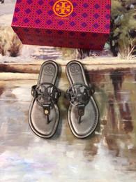 Argentina 2019 marca de moda mate sandalias de cuero genuino playa flip-flop zapatillas de tacón planas mocasines casuales dama mujer zapatos sz 35-42 1986 supplier slippers ladies outdoor Suministro
