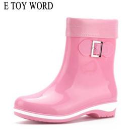 E TOY WORD Moda PVC caviglia stivali da pioggia Donne antiscivolo tacchi quadrati Stivali da pioggia femminile Donna invernale Scarpe acqua impermeabili da