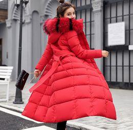 2019 jaqueta de peles com capuz de peles Super longo casaco inchado com bolsos de pele agradável com capuz inverno com capuz parka longo quente bombardeiro mulheres para baixo acolchoado jaqueta desconto jaqueta de peles com capuz de peles