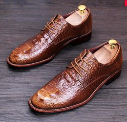 Wholesale Young Leather Men - New light Crocodile wear casual leather shoes men real skin English sharp increase wedding shoes young hairdresser shoes nx21