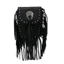 Borsa a tracolla in pelle nera online-2018 Hot Lady Fringe catena nappa Messenger Bag Skull pu pelle Cross Body colore nero Rivetti tracolla Borse da donna D18102407