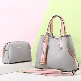 2019 корейские сумки для женщин 2 в 1 Женщины корейский стиль шикарный искусственная кожа кисточкой ведро Сумки розовый топ ручка сумки Леди досуг сумка с муфтой дешево корейские сумки для женщин