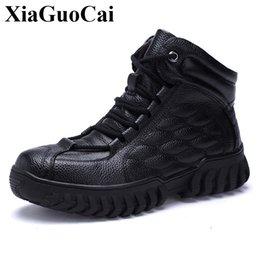 Nouvelle Mode En Cuir Véritable Chaussures Hommes Bottes D'hiver Polaires Lacets Bottines Haute Qualité Antidérapant Plat Casual Chaussures H645 ? partir de fabricateur