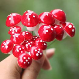 2019 terrari di plastica Artificiale colorato mini Mushroom fairy garden miniature gnome moss terrarium decor mestieri di plastica bonsai home decor per FAI DA TE Zakka 100 pz sconti terrari di plastica