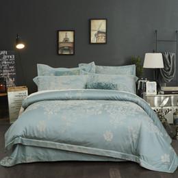 Capas de edredon cetim europeu on-line-Luxo conjunto de cama king size europeu cetim duvet cover jacquard colcha casal bedlinens floral bordado home textile adulto