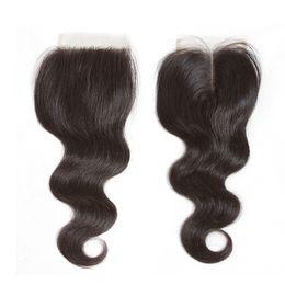 seidenbasisverschluss chinesische jungfrau Rabatt Heiße brasilianische reine Haarkörperwelle-Spitze-Schließung 4 x 4 geben mittleres Teil unverarbeitetes brasilianisches indisches peruanisches Menschenhaar-Webart-Spitzenschließungen frei