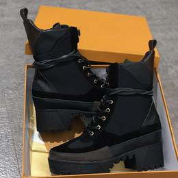 печатные обувные шнурки Скидка Роскошные дизайнерские сапоги женщины пустыни загрузки коренастый каблук Мартин обувь печати кожаная платформа пустыни шнуровке загрузки 5 см 10 цветов с коробкой