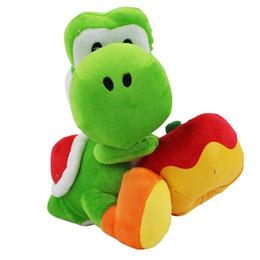 vacanza di mele Sconti 100% cotone di alta qualità 7 pollici 18 cm Super Mario Bros Yoshi che tiene il giocattolo di peluche Apple per regali di festa per bambini