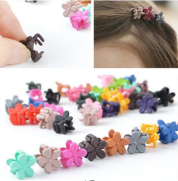 niños mini pinzas para el cabello garra Rebajas 2018 hot Candy Color Kids Baby Plastic Girls Hairpins Mini Claw Clips para el pelo Clamp Flower Hair Accessories