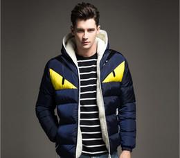 Cáncamos de color online-Ropa de marca de moda de los hombres de invierno parka cuello de piel con capucha grandes ojos abrigo grueso cálido algodón acolchado chaqueta abrigo más el tamaño
