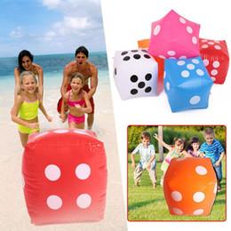 piccoli giocattoli di ems Sconti Giocattoli da piscina Portatile multi colore gonfiabile Blow-Up cubo PVC Dice Toy Stage Prop Group Game Tool