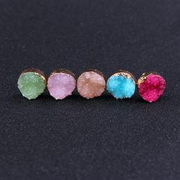 Natürliche rosa edelsteine online-Art und Weiseedelstein-Bolzen-Ohrring ahmen natürlichen Stein nach ahmen konkaves Druzy Gold überzogenes rosafarbenes rundes Kristallrhinestone-Bolzen-Ohrringtropfenschiff nach
