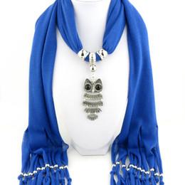 885b9832ac55 2018 Mode Femmes Écharpe Solide Lisse Schal Lady Peach Motif Pendentif  Écharpe Femme Pendentif Sjaal Mujer Colgante Bufanda