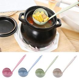 Colheres de cozinha plástica on-line-4 cores 2 em 1 Longo Handled Colher de Sopa Utensílios de Cozinha Utensílios de cozinha Ferramenta Colander Coador de Cozinha Colher De Plástico Colher GGA943 400 pcs
