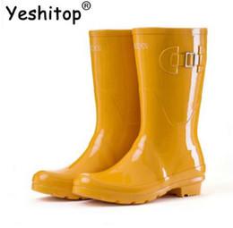 2018 NUOVO! Stivali da pioggia per polpaccio leggero Stivali da pioggia per donna Stivali da pioggia femminili Stivali da pioggia da donna Stivali da donna Impermeabili da protettore per le scarpe fornitori