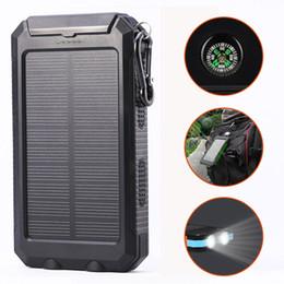 2019 chargeur de voyage solaire portable USB 10000mAh banque d'énergie solaire imperméable à l'eau chargeur de voyage en plein air batterie interne DC5V. Boussole LED chargeur de voyage solaire portable pas cher